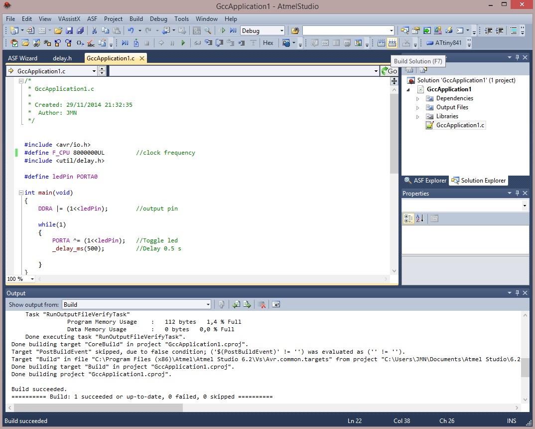 Pulsamos F7 para crear el fichero de programa del microcontrolador.